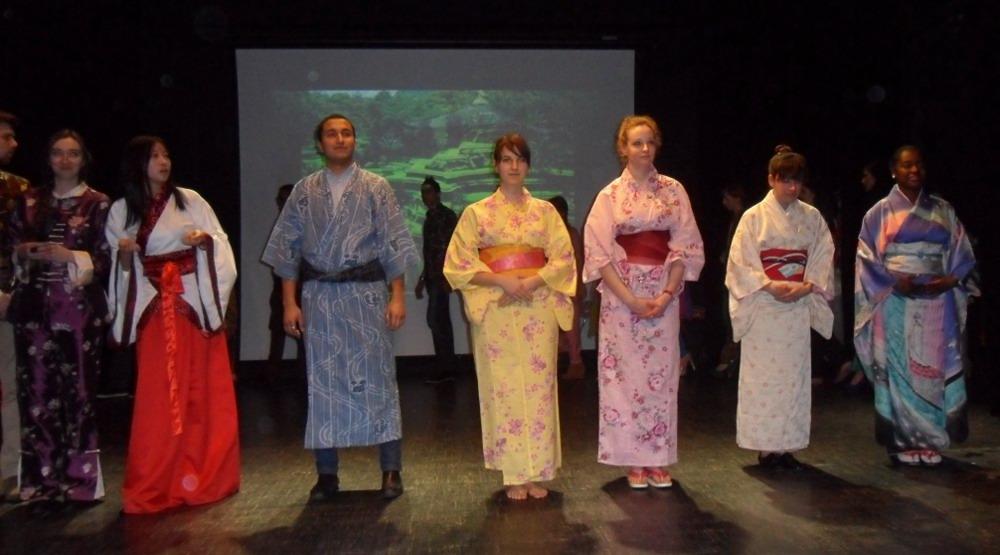 Défilé des tenues asiatiques-Maison de l'étudiant-21 mars 2014-1